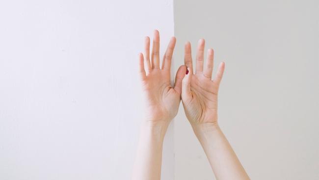 Quan sát 5 ngón tay, nhìn thấu bản tính con người trong công việc - Ảnh 1.