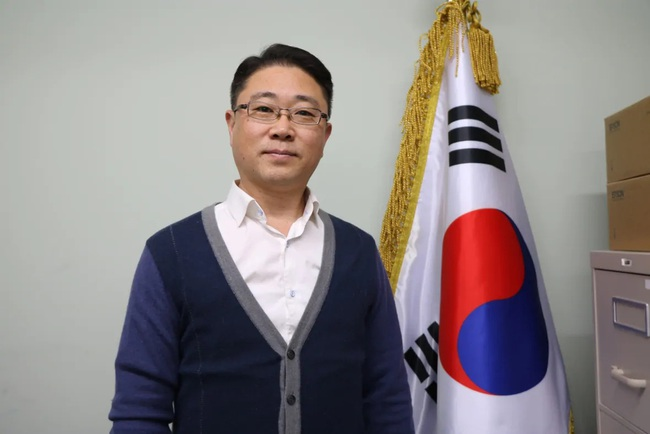"""Những """"Ông bố ngỗng"""" ở Hàn Quốc: Nai lưng làm việc để vợ con được ra nước ngoài sống, chấp nhận cuộc đời gắn liền với những bữa cơm một mình - Ảnh 3."""