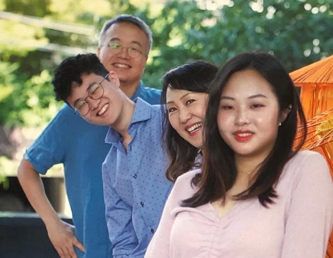 """Những """"Ông bố ngỗng"""" ở Hàn Quốc: Nai lưng làm việc để vợ con được ra nước ngoài sống, chấp nhận cuộc đời gắn liền với những bữa cơm một mình - Ảnh 4."""