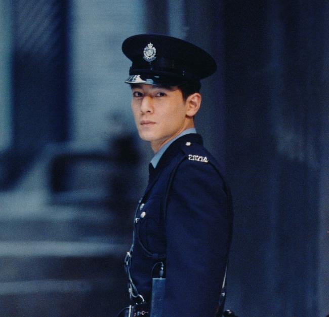 Hình ảnh Ngô Ngạn Tổ trong bộ quân phục đã trở nên kinh điển.