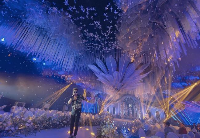"""Xôn xao """"siêu đám cưới"""" tại Ninh Hiệp: Dựng """"lâu đài"""" trên 1600m2, gần 200 người kì công chuẩn bị và loạt """"sao bự"""" tham dự - Ảnh 5."""