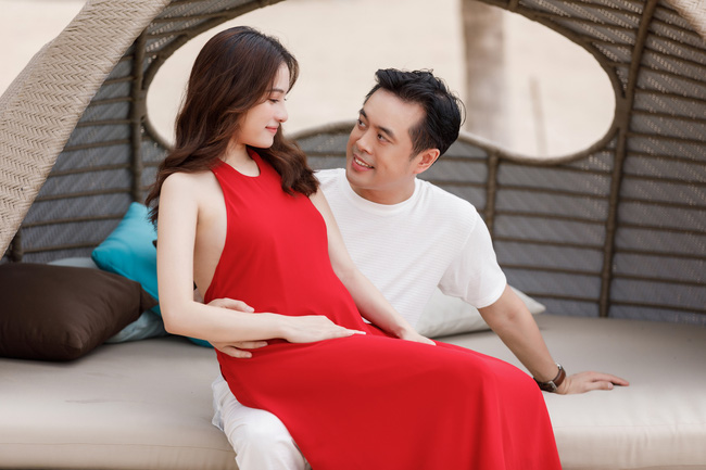 Sara Lưu - Dương Khắc Linh tiết lộ đã mang song thai 4 tháng, vợ chồng rủ nhau đi du lịch từ trong nước ra nước ngoài liên tục - Ảnh 8.