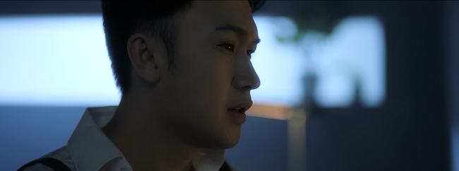 """Fan liên tưởng đến phân cảnh trong phim kinh dị khi Dương Triệu Vũ bị """"khách không mời"""" quấy rối giữa đêm - Ảnh 2."""