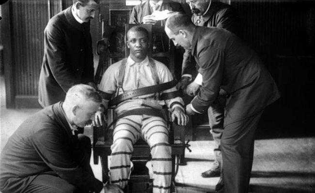 Tử tù trẻ nhất nước Mỹ bị hành quyết trên ghế điện: Bị kết án nhanh chóng sau 10 phút nhưng phải mất 70 năm mới được minh oan vì nạn phân biệt chủng tộc - Ảnh 3.