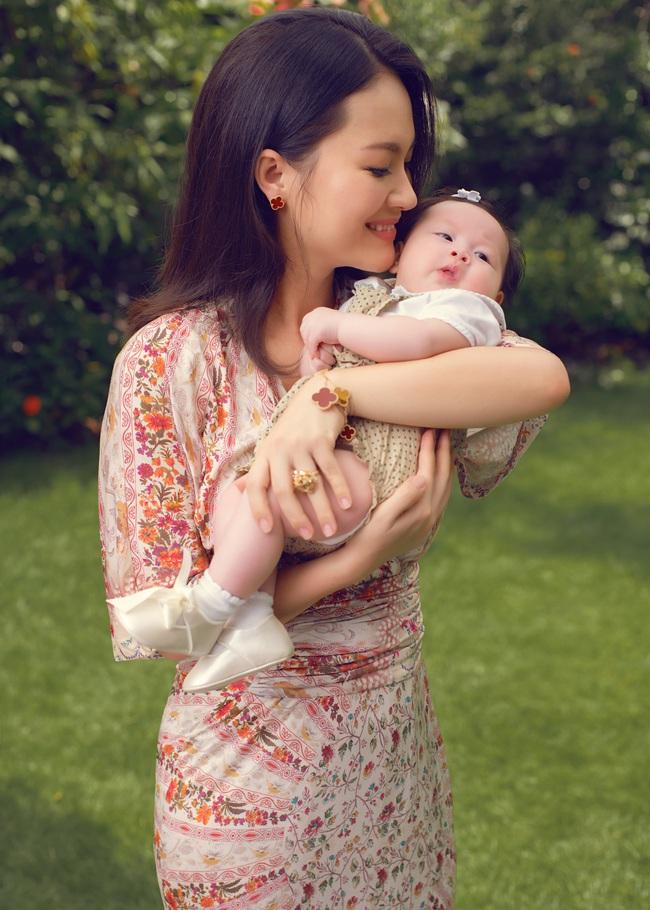 """Nữ diễn viên """"Chuyện của Pao"""" Hải Yến sinh liền 3 nhóc tỳ trong 5 năm ở ẩn, cuộc sống tất bật khiến mẹ bỉm sữa nào cũng đồng cảm - Ảnh 3."""