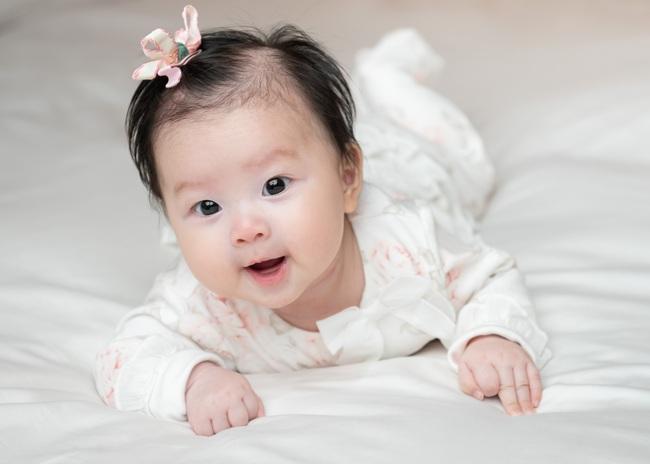 """Nữ diễn viên """"Chuyện của Pao"""" Hải Yến sinh liền 3 nhóc tỳ trong 5 năm ở ẩn, cuộc sống tất bật khiến mẹ bỉm sữa nào cũng đồng cảm - Ảnh 6."""