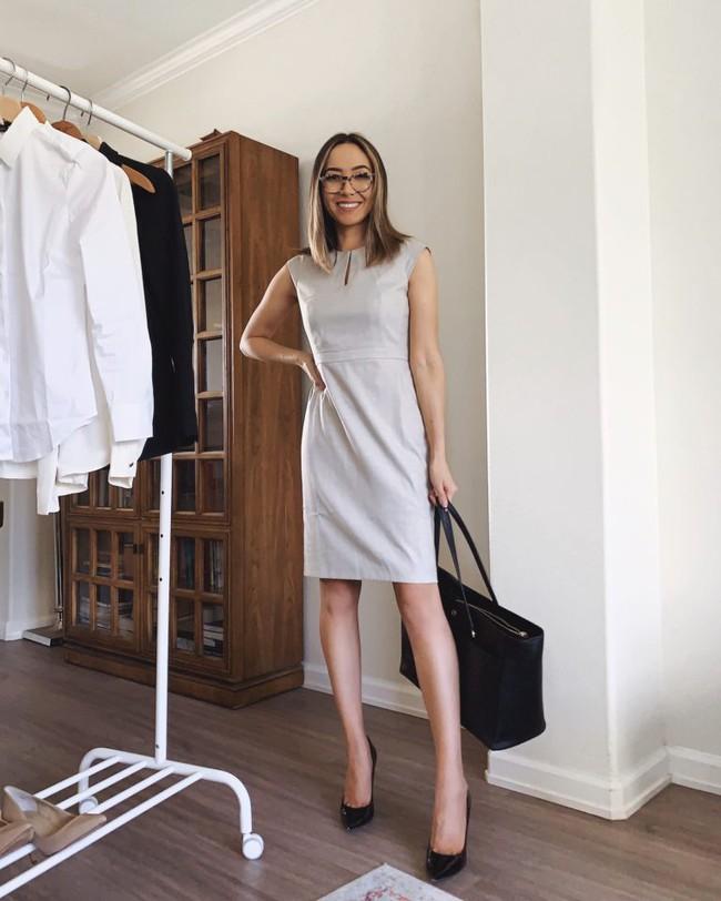 """Nàng fashion blogger chỉ cho chị em cách lên đồ công sở chuẩn """"pro"""" mà vẫn max sành điệu chỉ với vài items cơ bản - Ảnh 6."""