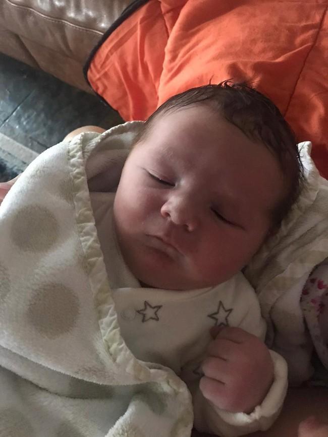 Bà mẹ hạ sinh thành công con trai nặng 5,1kg tại nhà bằng phương pháp sinh thường mà không hề bị rách tầng sinh môn - Ảnh 5.