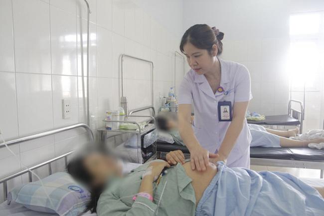 Cứu sống thai nhi và sản phụ bị xoắn tử cung hiếm gặp - Ảnh 1.