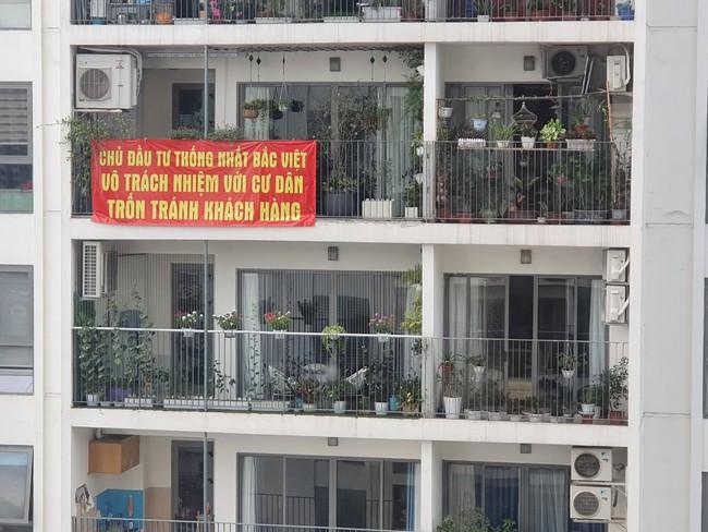 Hà Nội: Giữa mùa nắng nóng cư dân chung cư cao cấp bị cắt nước vì phản đối diện tích, thu phí bất hợp lý - Ảnh 4.