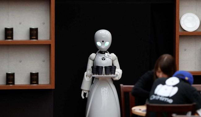 Bất ngờ với top 10 ngành nghề mà người Nhật nghĩ rằng robot sẽ làm tốt hơn con người: Toàn nghề hot thu nhập cao! - Ảnh 1.