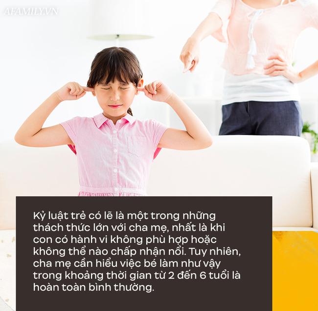 Parent coach Linh Phan gợi ý 4 bước để xử lý những hành vi cư xử chưa đúng mực của trẻ 2-6 tuổi - Ảnh 1.