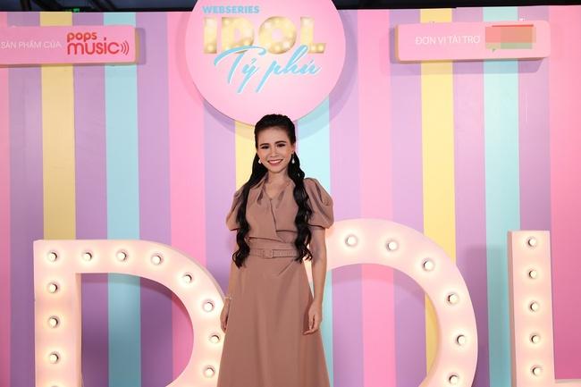 """Không chỉ sang chảng ngoài đời thực, lên màn ảnh Jolie Nguyễn cũng khiến khán giả phát """"hoảng"""" với số lượng trang phục cô mặc - Ảnh 6."""