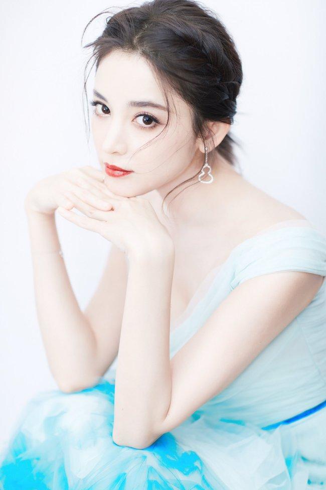 5 mỹ nhân 9x đẹp nhất showbiz Hoa ngữ: Dương Tử đứng cuối, Địch Lệ Nhiệt Ba chỉ xếp thứ 3 - Ảnh 5.