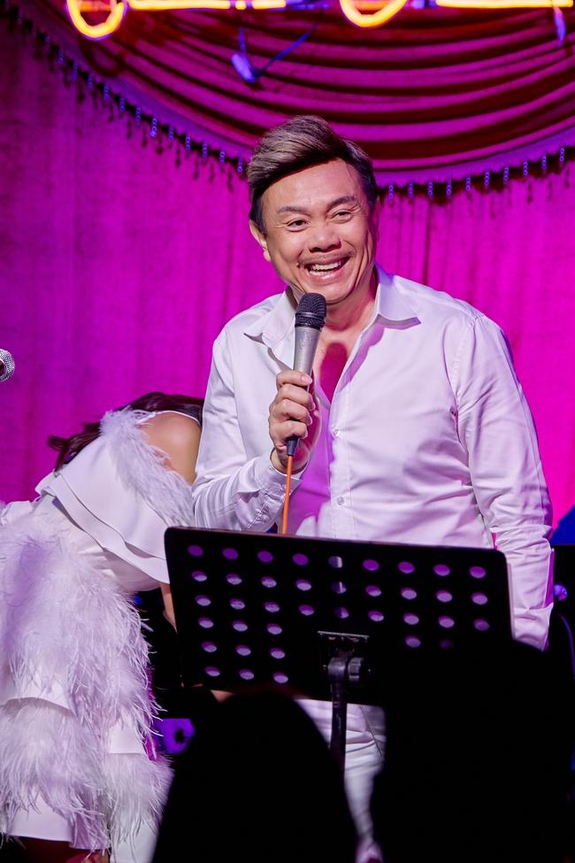 Chí Tài ôm đàn hát bên mỹ nữ Vietnam Idol bỗng hot như cồn nhờ bản nhạc cover - Ảnh 3.