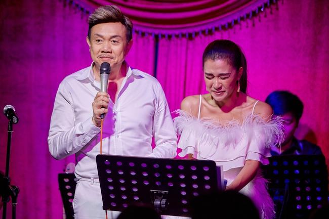 Chí Tài ôm đàn hát bên mỹ nữ Vietnam Idol bỗng hot như cồn nhờ bản nhạc cover - Ảnh 4.