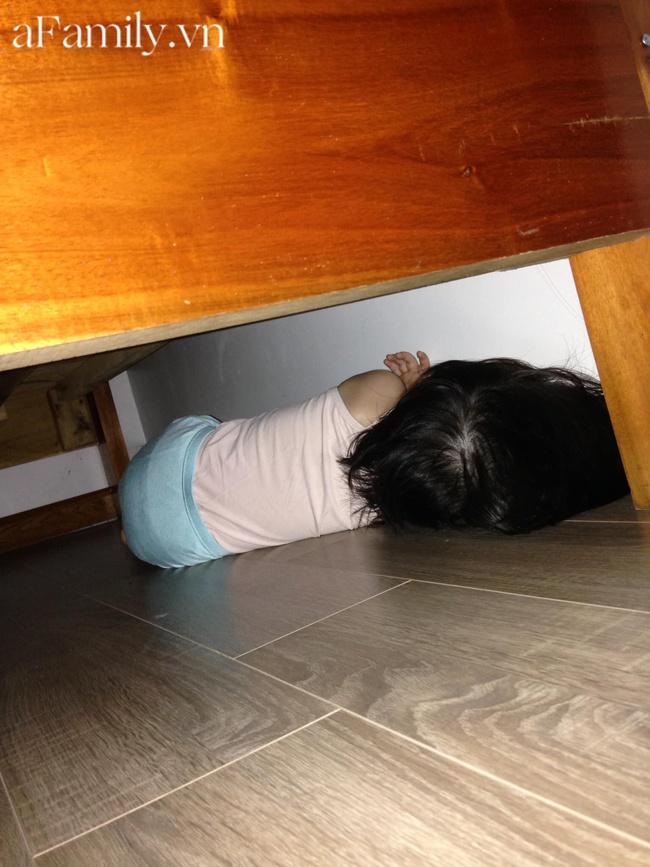 Sáng ngủ dậy tìm khắp nhà không thấy con đâu, bố mẹ hoảng hốt tái mặt thì bất ngờ nghe thấy tiếng hắt xì ở nơi không tưởng - Ảnh 1.