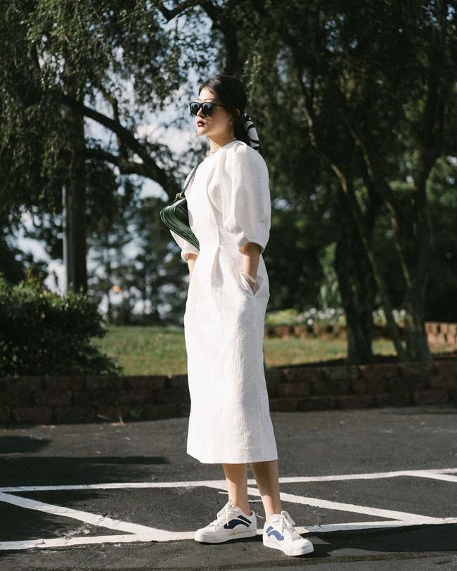 """Nàng fashion blogger gợi ý 9 set màu trung tính để chị em công sở dù """"vụng về"""" hay không có nhiều đồ vẫn mặc đẹp khỏi nghĩ - Ảnh 1."""