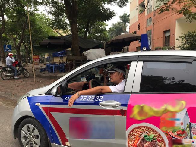 Tài xế taxi chẳng nhàn như người ta nghĩ: Ăn nghỉ vạ vật dưới trời nắng nóng khiến nhiều người bị shock nhiệt, ảnh hưởng đến sức khỏe mà thu nhập chẳng đáng là bao - Ảnh 3.