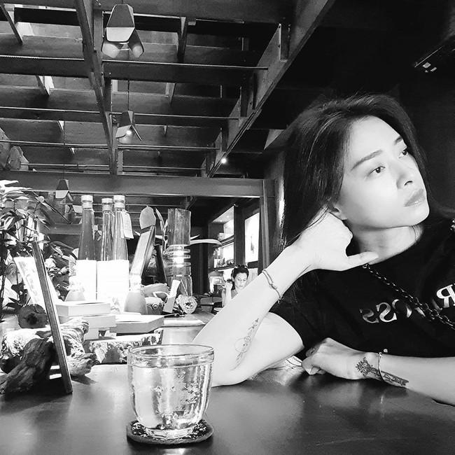 Ngô Thanh Vân hỏi: Mình là người thích cafe. Còn bạn thì sao?.