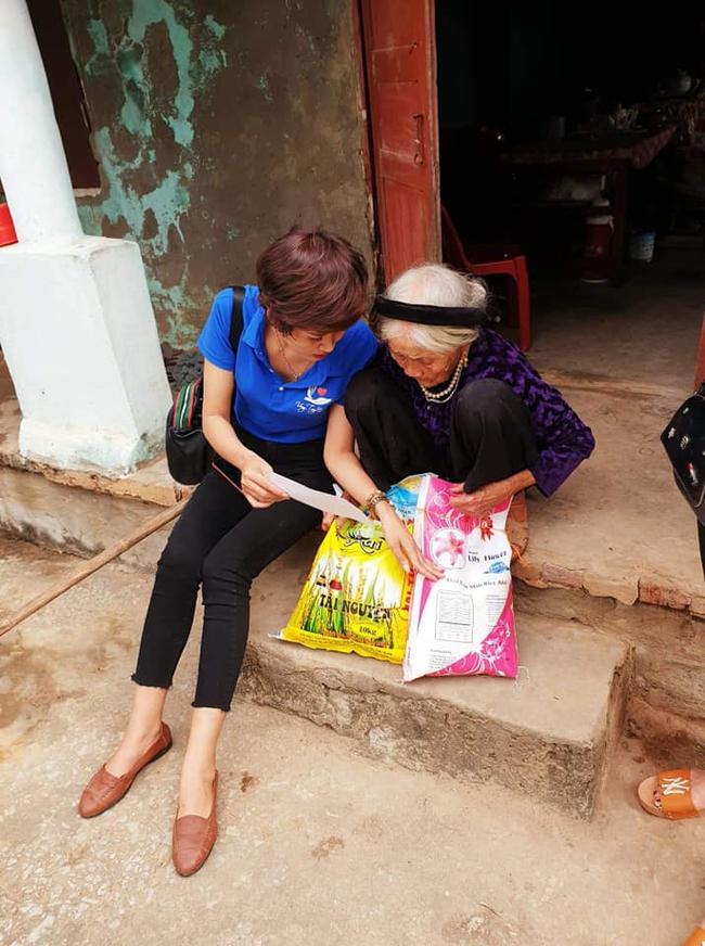 Nghị lực sống của góa phụ trẻ mắc bệnh ung thư, hàng ngày vẫn đi làm nuôi con và hăng say công tác thiện nguyện - Ảnh 7.
