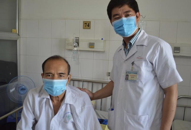 Hàng loạt bệnh nhân bị vỡ túi phình động mạch chủ bụng nguy kịch: Ai hay hút thuốc lá, ăn nhiều mỡ hãy cẩn thận! - Ảnh 4.