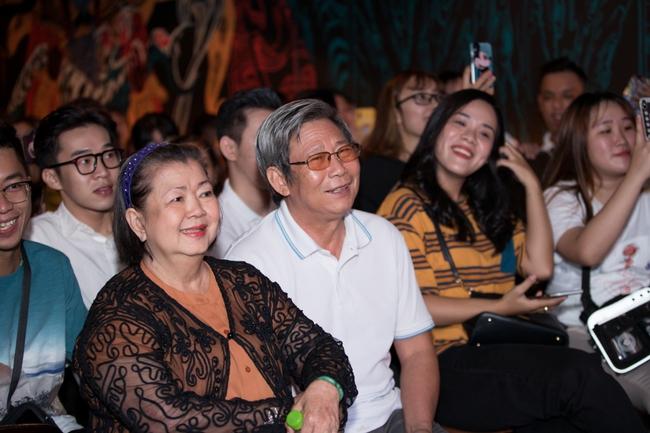 Jun Phạm, Sam khiến tiệc sinh nhật của Ngô Kiến Huy tưng bừng hơn bao giờ hết - Ảnh 4.