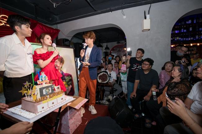 Jun Phạm, Sam khiến tiệc sinh nhật của Ngô Kiến Huy tưng bừng hơn bao giờ hết - Ảnh 12.