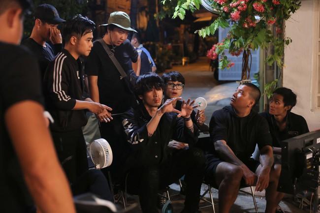 """Tuấn Trần tung trailer webdrama mới, fan nghi ngờ là phần ngoại truyện của """"Bố già"""" mà Trấn Thành từng thành công trước đó - Ảnh 3."""