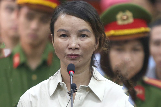 Vụ nữ sinh giao gà ở Điện Biên bị sát hại hãm hiếp, dã man: Mẹ nạn nhân Cao Mỹ Duyên sắp hầu tòa lần hai - Ảnh 1.
