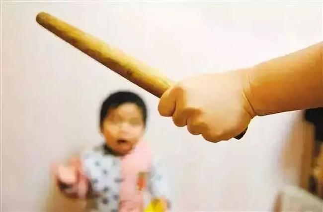 Con gái 6 tuổi ăn chậm, mẹ dùng ống sắt đánh con đến mức tử vong - Ảnh 4.