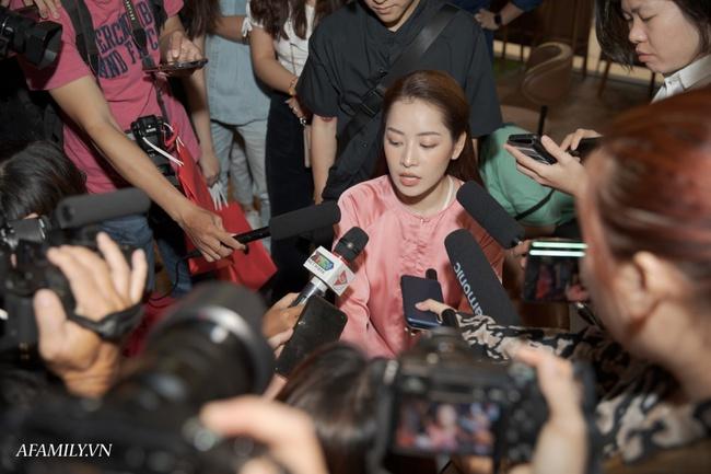 Chi Pu lúng túng hát cải lương giữa họp báo, dù rất cố gắng nhưng không trúng 1 nốt nào  - Ảnh 5.