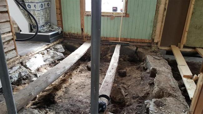Dỡ sàn nhà lên để đặt tấm cách nhiệt, cặp vợ chồng ngỡ ngàng khi phát hiện bấy lâu nay họ giẫm chân lên một ngôi mộ cổ kỳ bí 1.000 tuổi - ảnh 6