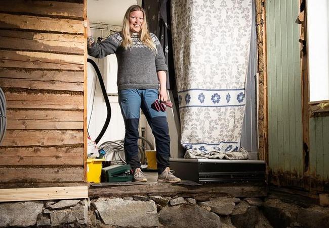 Dỡ sàn nhà lên để đặt tấm cách nhiệt, cặp vợ chồng ngỡ ngàng khi phát hiện bấy lâu nay họ giẫm chân lên một ngôi mộ cổ kỳ bí 1.000 tuổi - ảnh 2