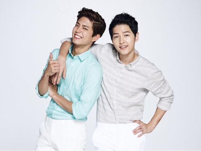 """Ẩn tình nào phía sau mối quan hệ """"nguội lạnh tàn tro"""" của Song Joong Ki và Park Bo Gum: Xem nhau như anh em ruột thịt nhưng quay lưng đã trở thành người dưng sau vụ ly hôn thế kỷ?  - Ảnh 2."""