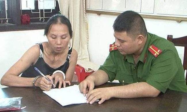 Nghệ An: Người đàn bà 44 tuổi hành nghề trộm cắp từ thời thiếu niên, mang 10 tiền án nhưng vẫn trộm tiền của khách du lịch - Ảnh 1.