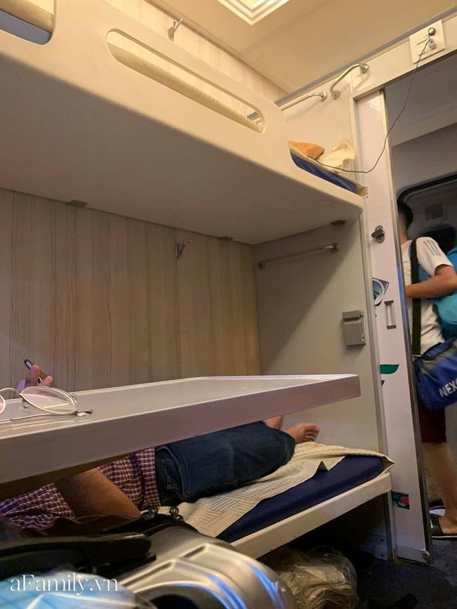 Gia đình Hà Nội có trẻ em bày cách tiết kiệm tiền mà vẫn chọn được toa, phòng ưng ý khi đi du lịch Đà Nẵng bằng tàu hỏa - Ảnh 4.