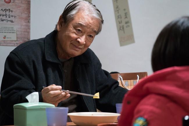 """""""Ông nội Quốc dân"""" Lee Soon Jae: Hết bị đồn mê tín dị đoan truyền bá tà giáo cho tới việc bị tố đối xử với quản lý như người hầu """"không hơn không kém"""" - Ảnh 3."""