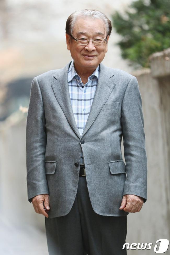 """""""Ông nội Quốc dân"""" Lee Soon Jae: Hết bị đồn mê tín dị đoan truyền bá tà giáo cho tới việc bị tố đối xử với quản lý như người hầu """"không hơn không kém"""" - Ảnh 6."""