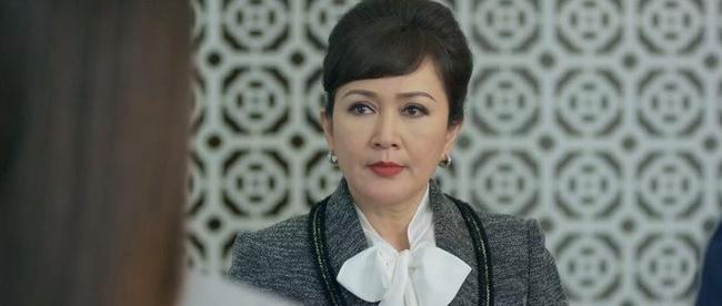 """Tình yêu và tham vọng: Vừa cấm Linh """"động chạm"""" con trai mình, mẹ Minh lại tái mặt vì bằng chứng hẹn hò của cặp đôi - Ảnh 3."""