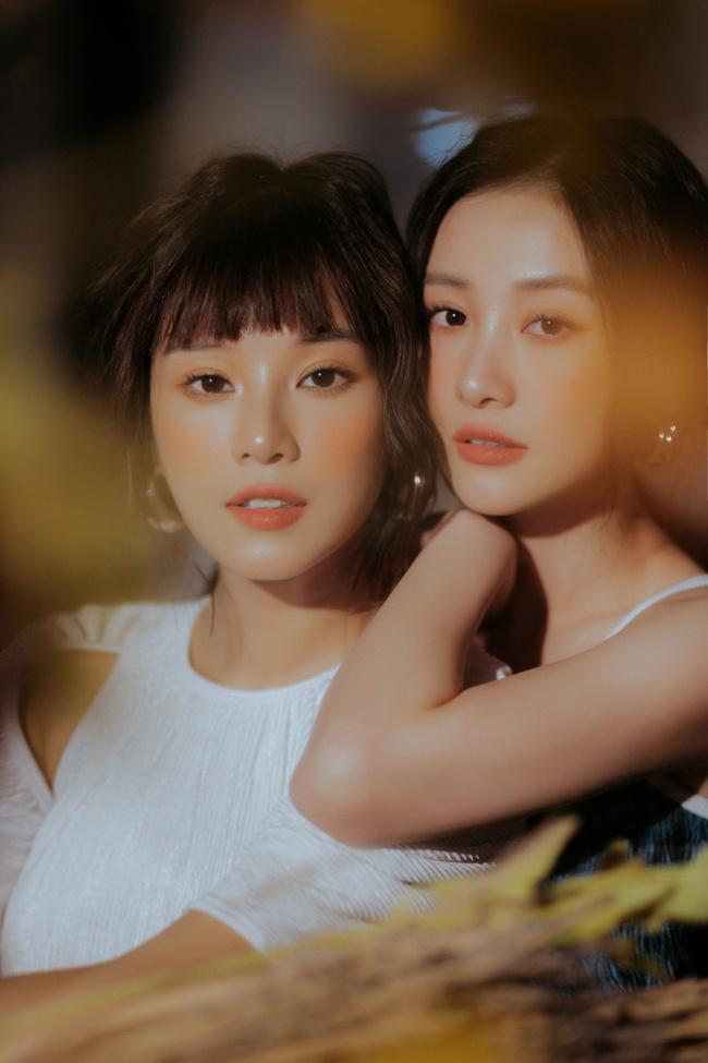 """Chụp ảnh tình thế này, hỏi sao Hoàng Yến Chibi - Jun Vũ liên tục được fan """"đẩy thuyền""""  - Ảnh 2."""