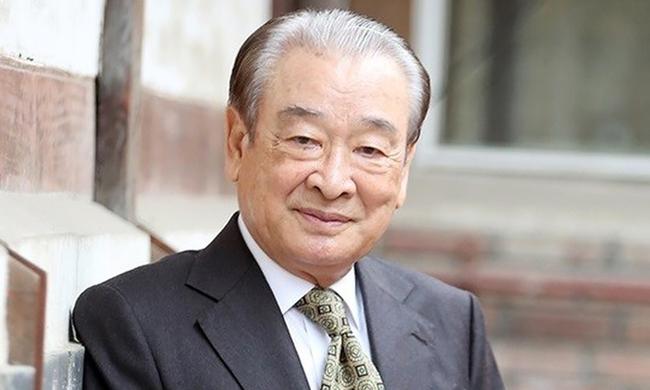 """Ông nội của """"Gia đình là số 1"""" Lee Soon Jae vướng scandal ngược đãi quản lý cũ, giới chức trách và báo đài Hàn Quốc đồng loạt điều tra - Ảnh 3."""