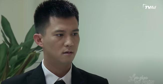"""""""Lựa chọn số phận"""": Xuất hiện thư ký xinh đẹp, khiến em trai Phương Oanh vừa gặp đã động tay động chân  - Ảnh 9."""