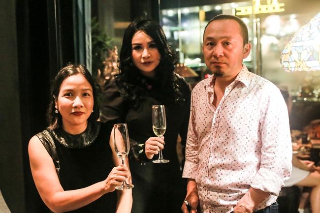 """Những gia đình đặc biệt của Vbiz: Bằng Kiều - Trizzie Phương Trinh làm bạn hậu ly hôn, Chi Bảo đưa tình nhân """"ra mắt"""" vợ cũ - Ảnh 5."""