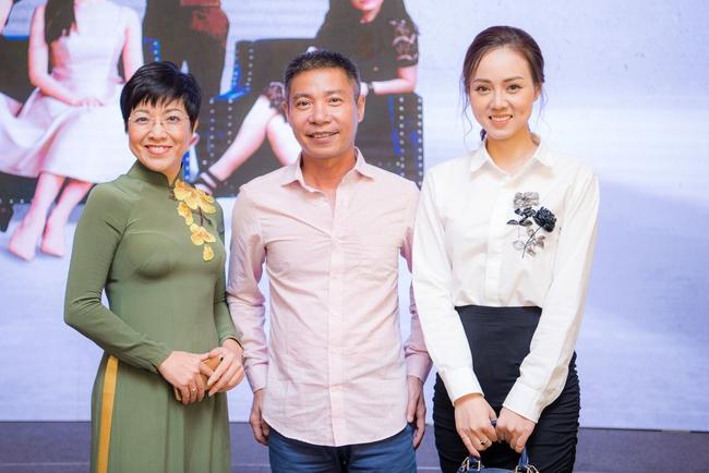 """Những gia đình đặc biệt của Vbiz: Bằng Kiều - Trizzie Phương Trinh làm bạn hậu ly hôn, Chi Bảo đưa tình nhân """"ra mắt"""" vợ cũ - Ảnh 3."""
