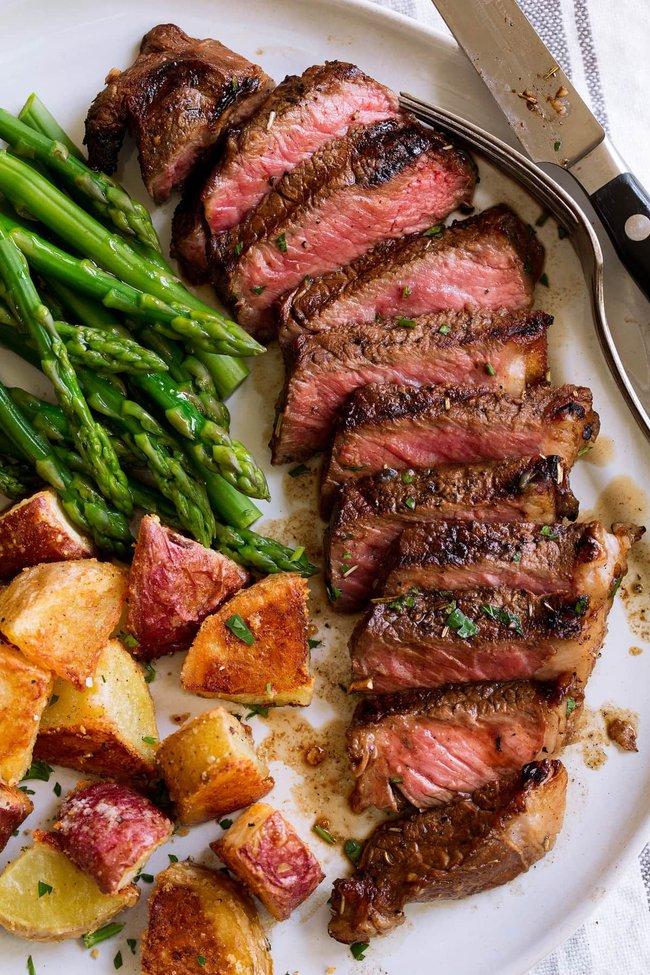 Không việc gì phải nhịn ăn thịt vì có ít nhất 4 loại đốt cháy mỡ thừa mạnh mẽ, thu gọn vóc dáng nhanh chóng - Ảnh 1.