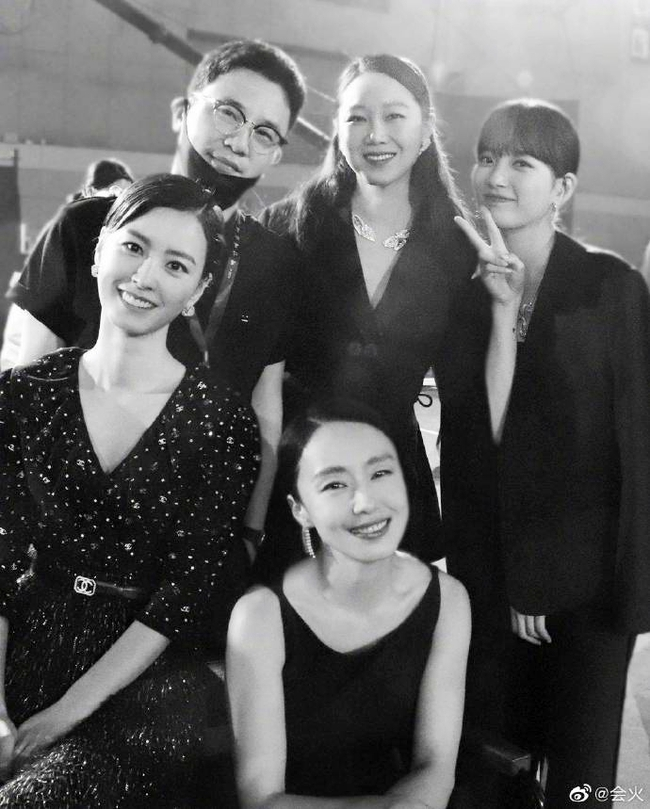 """Khi """"tình cũ Lee Min Ho"""" Suzy đứng chung khung hình với các mỹ nhân đình đám nhất làng giải trí Hàn Quốc, liệu nhan sắc có còn xuất chúng nhất? - Ảnh 3."""