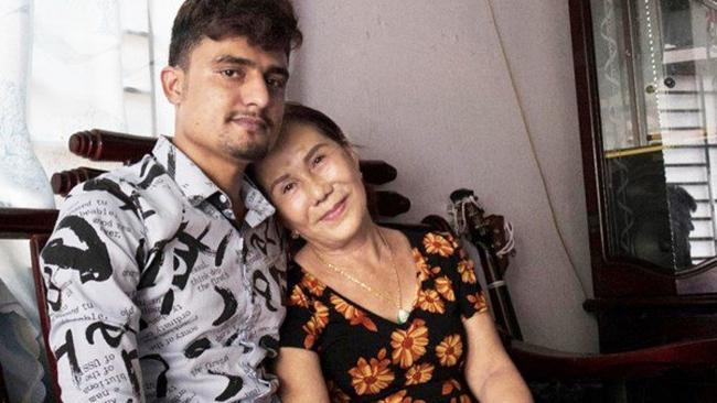 Xôn xao thông tin cô dâu 65 tuổi ở Đồng Nai thường xuyên bị chồng 24 tuổi bạo hành - Ảnh 1.