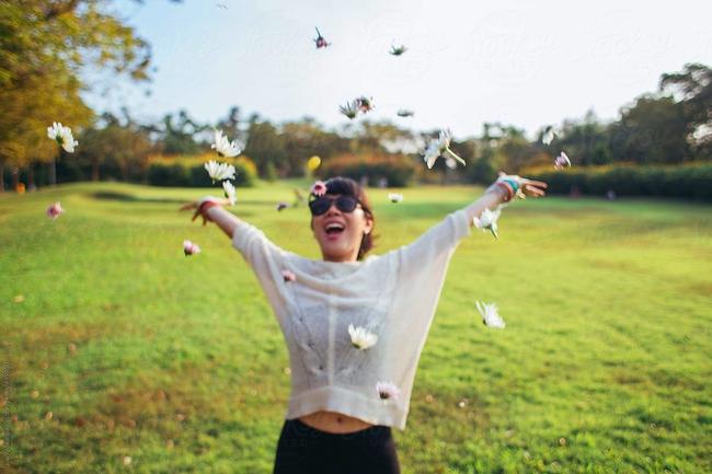 """Ở tuổi """"quá hăm chưa băm"""", nắm ngay chân lý """"4 KHÔNG"""" này sẽ giúp chị em công sở sống hạnh phúc hơn - Ảnh 1."""