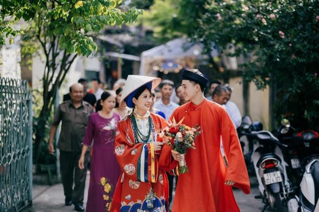 Cặp cô dâu chú rể sử dụng Nhật Bình - Áo Tấc trong đám cưới tại Cao Bằng, nhan sắc dâu rể khiến bất cứ ai cũng phải xuýt xoa - Ảnh 2.